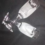 Desenho jateado em taças de vidro